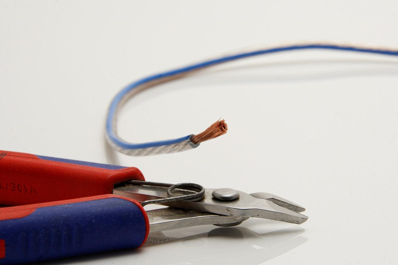 Kable i przewody sterownicze – jakie zastosowanie znajdują wokół nas?